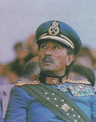 medium_1981_-_Mort_d_Anouar_el-Sadate_assassine_lors_d_un_defile_militaire_au_Caire.jpg