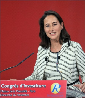 medium_20061126_segolene_royal_mutualite.jpg